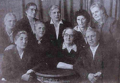 http://www.globalarmenianheritage-adic.fr/0hh/6russia1917photos/06d_groupefemmes.jpg