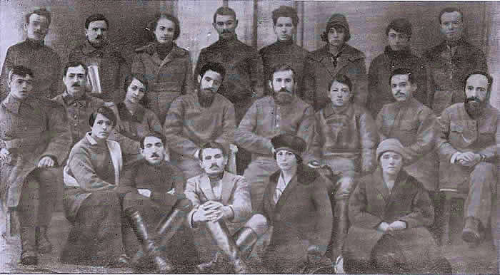 http://www.globalarmenianheritage-adic.fr/0hh/6russia1917photos/13g_crimee_groupe.jpg