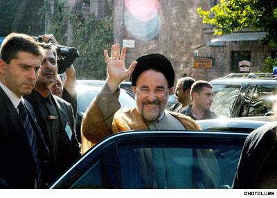 http://www.globalarmenianheritage-adic.fr/images_4/3_khatami2004.jpg