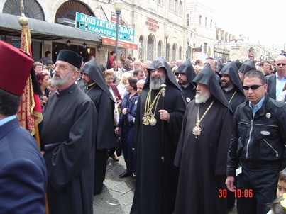 http://www.globalarmenianheritage-adic.fr/images_4palestine/2005_paques_e.jpg